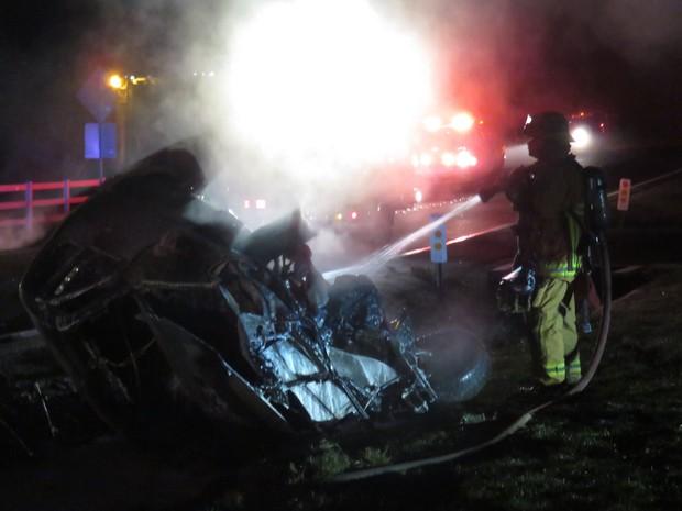 Jamie Foxx salva motorista de carro capotado e em chamas durante batida