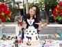 Geisy Arruda compra roupa de grife para seu cachorro usar no aniversário