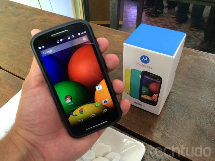 O Moto E já está à venda no Brasil; vale a pena comprar o novo smartphone?  (Foto: Allan Melo/ TechTudo)