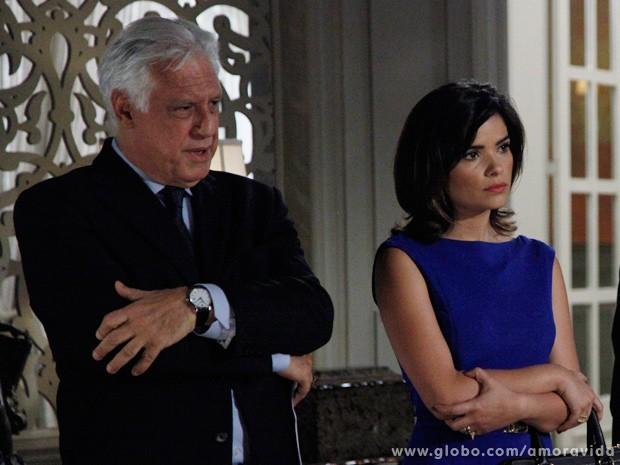 O médico está decidido a não deixar a presidência do hospital (Foto: Amor à Vida / TV Globo)