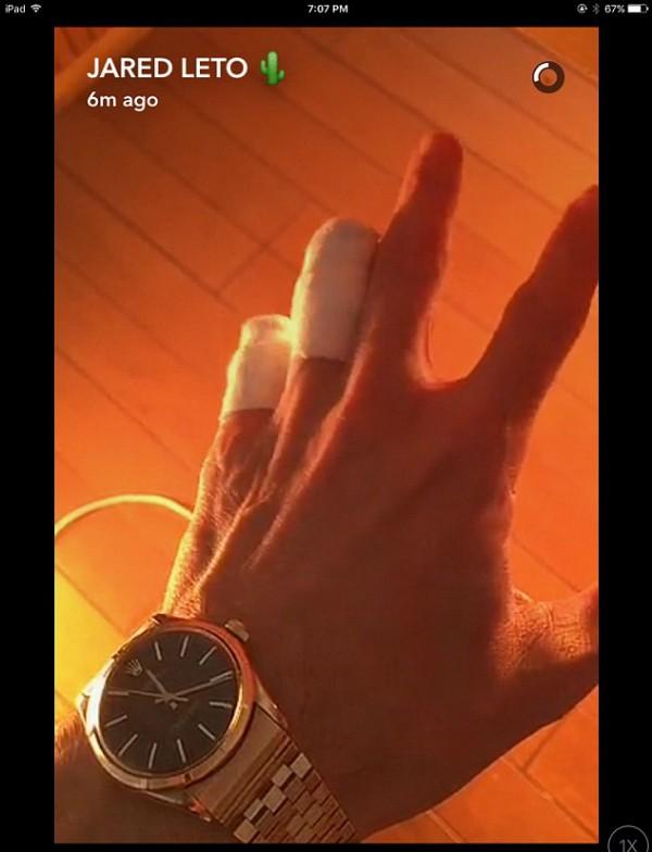 A mão do ator e cantor Jared Leto (Foto: Snapchat)