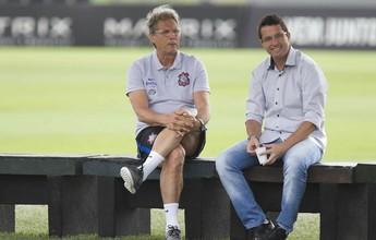 Técnico sub-20 faz visita a Oswaldo de Oliveira no CT do Corinthians