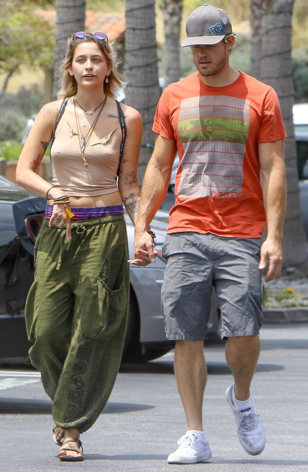 Paris Jackson e Trevor Donovan (Foto: Grosby Group)