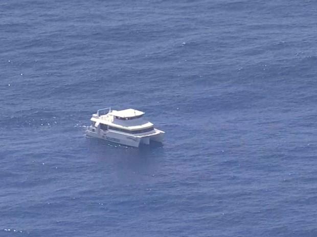 Capitania dos Portos de Pernambuco retomou buscas a mergulhador desaparecido na manhã desta segunda (Foto: Reprodução/ Globocop)