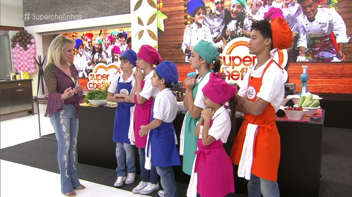 Ana Maria explica como será a prova de repescagem (Foto: TV Globo)