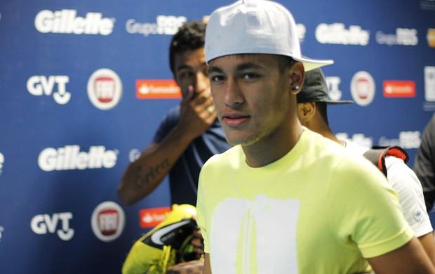 Neymar no jogo contra a pobreza na arena (Foto: Diego Guichard/GLOBOESPORTE.COM)
