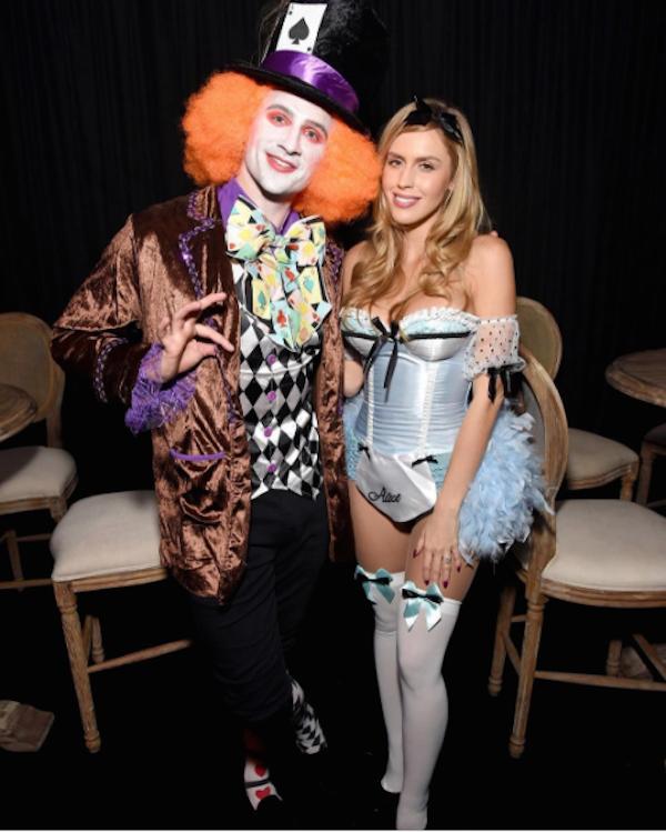 Ryan Lochte fantasiado de Chapeleiro Louco na companhia da noiva (Foto: Instagram)