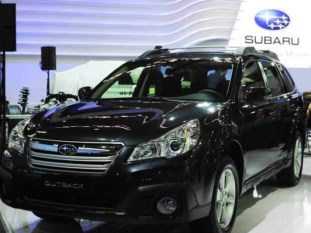 Subaru Outback é apresentado no Salão de São Paulo 2014 (Foto: Alan Morici/G1)