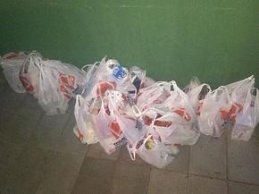 Compras feitas por policiais para ajudar desempregado que tentou furtar 2 kg de carne no Distrito Federal (Foto: Ricardo Machado/Arquivo Pessoal)