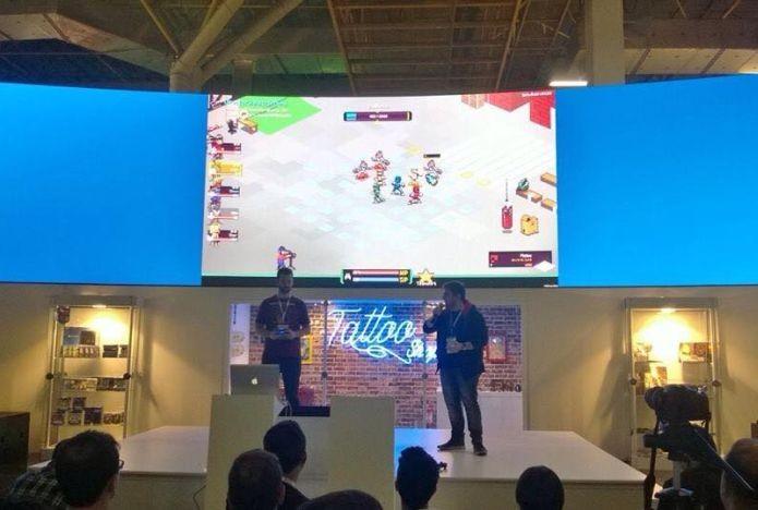 Chroma Squad no palco do estande da Sony, durante a BGS 2014 (Foto: Divulgação)