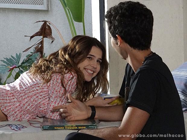 Anita dá aula de história do Brasil para Ben (Foto: Malhação / TV Globo)
