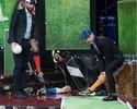 """Ruim de taco! Chiellini joga """"golfe"""" com pernas de manequim em programa"""