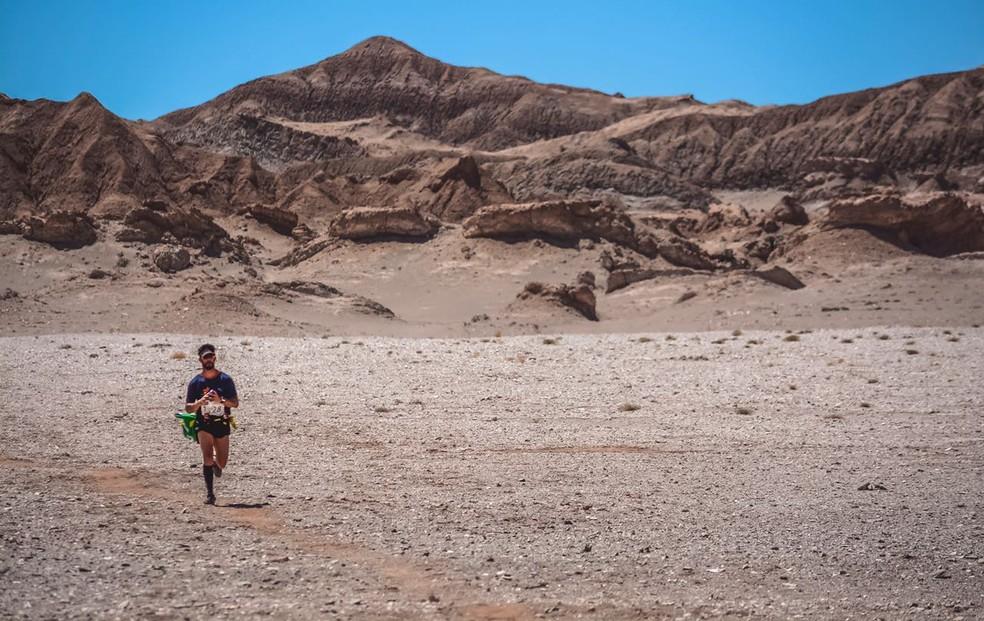 Deserto do Atacama foi a segunda experiência internacional de Rogério: calor, areia, clima seco... (Foto: Arquivo pessoal)