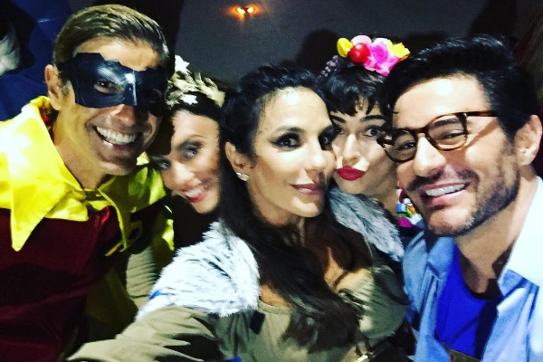 Giane, Ivete e Ricardo Tozzi posam na festa de aniversário da cantora (Foto: Reprodução Instagram)