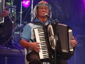 Dominguinhos durante show em 13 de dezembro de 2012, em Exu (PE), terra natal de Luiz Gonzaga, na comemoração do centenário. (Foto: Luna Markman / G1 PE)
