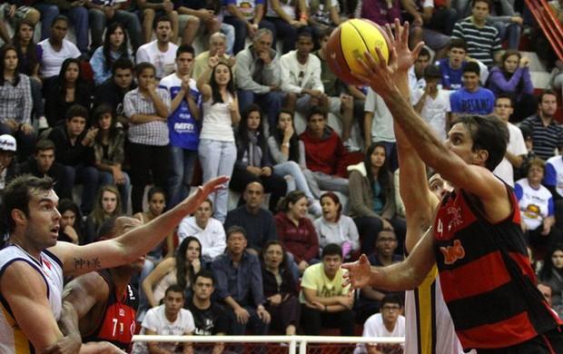 Marcelinho basquete Flamengo (Foto: Adenir Britto)