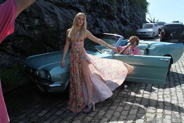 Fiorella Mattheis posa para campanha de moda verão (Foto: Anderson Borde/AgNews)