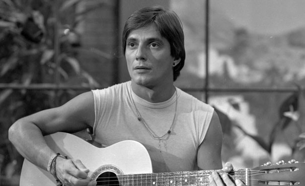 Fábio Jr era Pedro, um jovem aspirante a cantor em O Amor é Nosso (Foto: TV Globo / CEDOC)