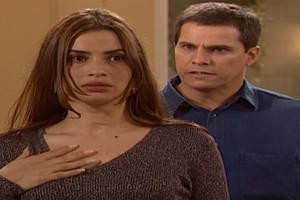 Henrique desmascara Vilma na frente da família