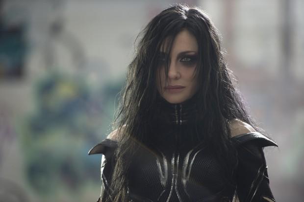 Cate Blanchett caracterizada como a vilã Hela em Thor: Ragnarok (Foto: Jasin Boland / Marvel Studios / Divulgação)
