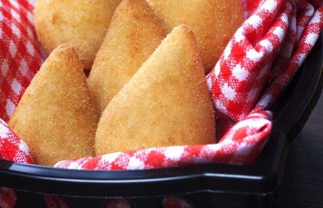 Aprenda a fazer a famosa coxinha de frango da Rotisserie Bologna