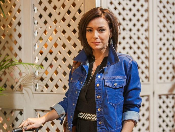 Regiane Alves estreia como a misteriosa Beth na novela das 9 (Foto: Raphael Dias/Gshow)