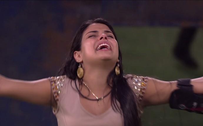 Munik se emociona e canta (Foto: TV Globo)