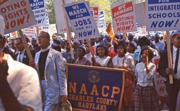 Entre os participantes da manifestação estava a Associação Nacional para o Progresso das Pessoas de Cor (NAACP, na sigla em inglês) (Foto: DC Public Library/Crain Family)