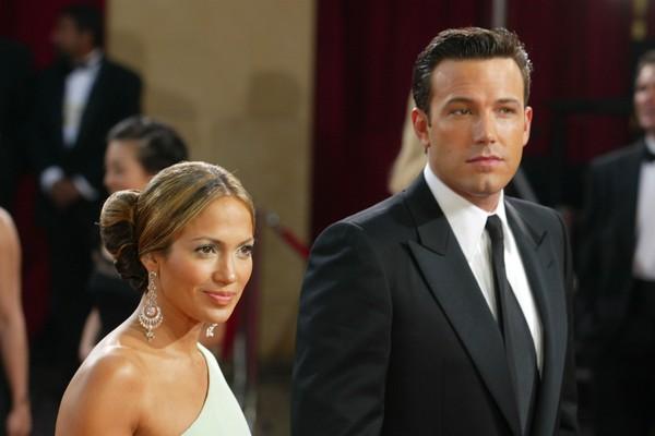 Ben Affleck e Jennifer Lopez em foto de quando ainda namoravam (Foto: Getty Images)