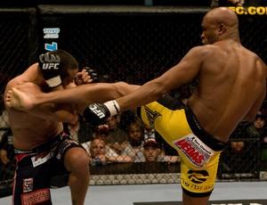 Anderson Silva Dan Henderson  mma ufc (Foto: Getty Images)