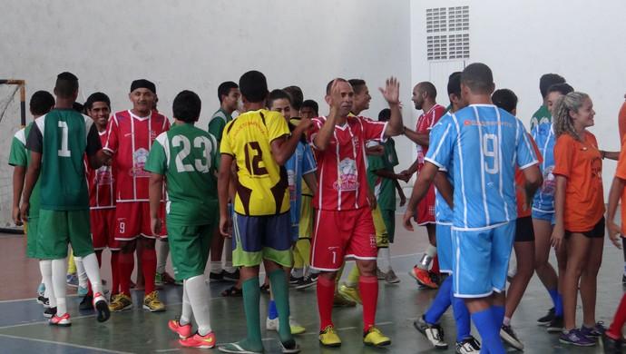 Atleta solidário (Foto: Viviane Leão/GloboEsporte.com)