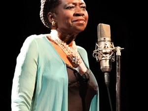 A cantora Áurea Martins (Foto: Divulgação)
