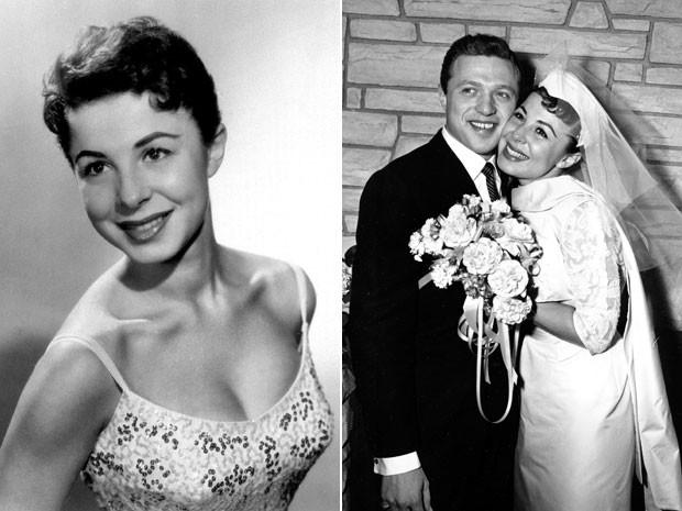À esquerda, a cantora Eydie Gorme em foto de 1956; à direita, foto de 29 de dezembro de 1957 mostra o casamento dela com Steve Lawrence, em Las Vegas, quando ambos tinham 22 anos de idade (Foto: AP)
