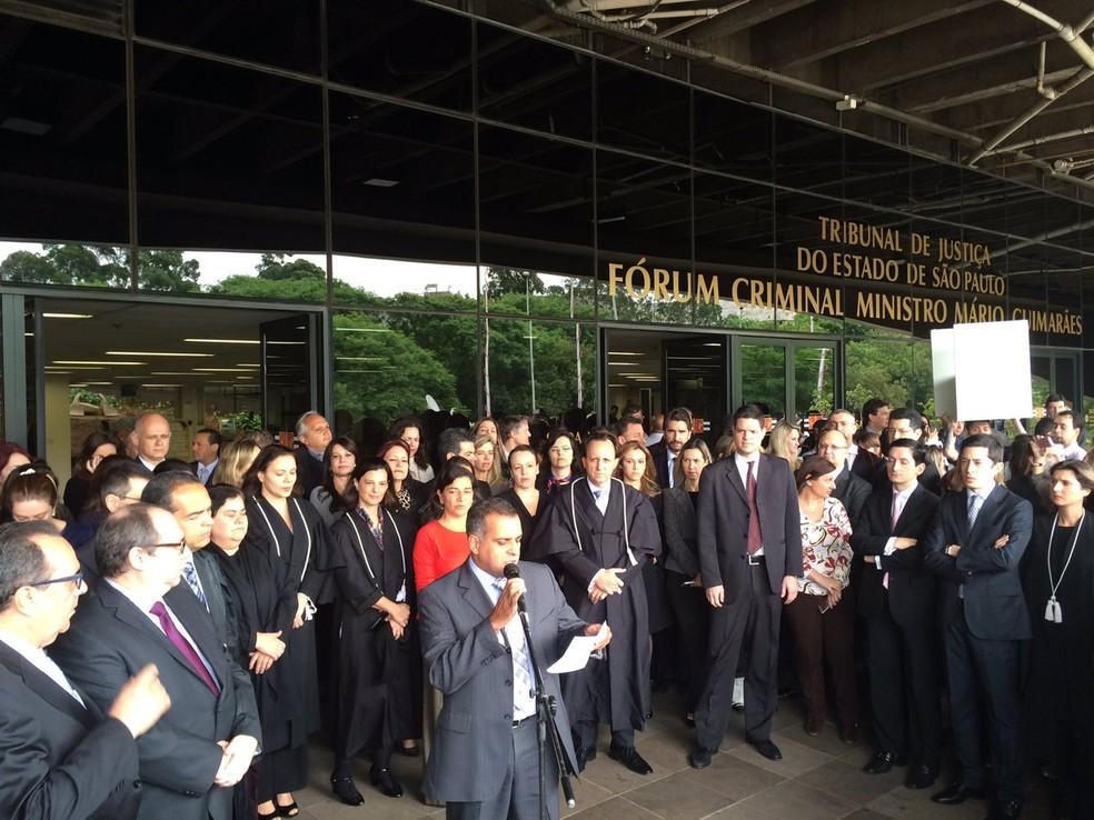 Juízes e promotores protestam contra projeto do abuso de autoridade em São Paulo (Foto: Will Soares/G1)