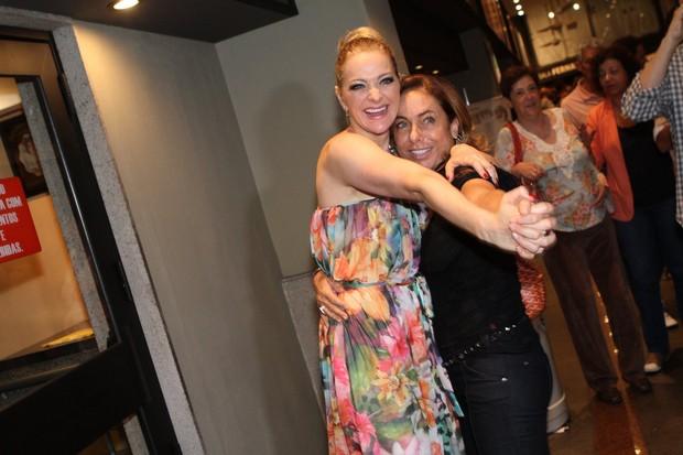 Alexandra Richter e Cissa Guimarães em estreia de peça no Rio (Foto: Raphael Mesquita/ Foto Rio News)