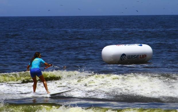 surfe Luize Altenhofen Nas Ondas (Foto: Breno Dines / GLOBOESPORTE.COM)