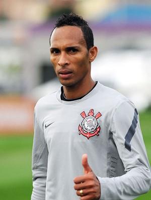 Liedson, treino Corinthians (Foto: Marcos Ribolli  / Globoesporte.com)
