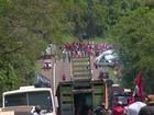 Manifestantes do MST protestam e bloqueiam trechos de rodovias no PR