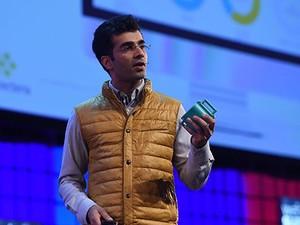 Yasir Khokhar, da Connecterra, durante a apresentação na final da competição entre Startups (Foto: Divulgação/Web Summit)
