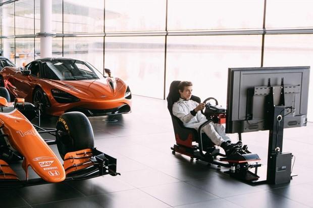 McLaren procura melhor piloto virtual de simuladores para trabalhar com a equipe  (Foto: Divulgação)