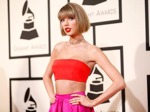 Mais Taylor Swift na chegada ao Grammy (Foto: REUTERS/Danny Moloshok)