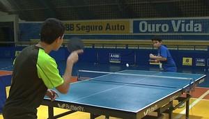 52b6f35ac Tênis de Mesa  ex-técnico da Seleção Paulista ministra Clínica em ...