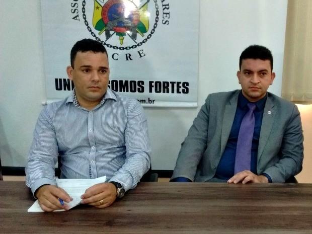 Em coletiva, AME disse que permanência de delegado é insustentável (Foto: Aline Nascimento/G1)