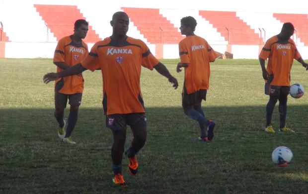 Zé Paulo no primeiro treino pelo CRB (Foto: Denison Roma / Globoesporte.com)