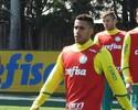 Arouca, Gabriel e Mina trabalham com bola em reapresentação do Palmeiras