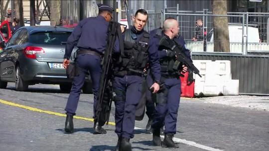 Lagarde condena 'covarde ato de violência' contra sede do FMI em Paris
