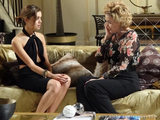 Amora quer ficar com Bento, mas não desistir da carreira como it-girl (Foto: Sangue Bom/TV Globo)