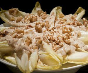 Como fazer salada de endívias com molho de tahine