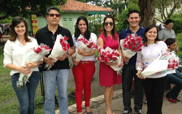 Equipe da TV Amapá preparada para a homenagem ao Dia Internacional da Mulher (Foto: Celso Kato/TV Amapá)