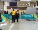 Asafa é barrado ao chegar ao Rio sem credencial, mas acaba liberado pela PF